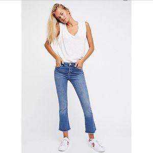 FREE PEOPLE | Medium Wash Cropped Raw Hem Jeans